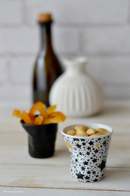 Moelleux amandes, écorces d'oranges confites & fleur d'oranger.