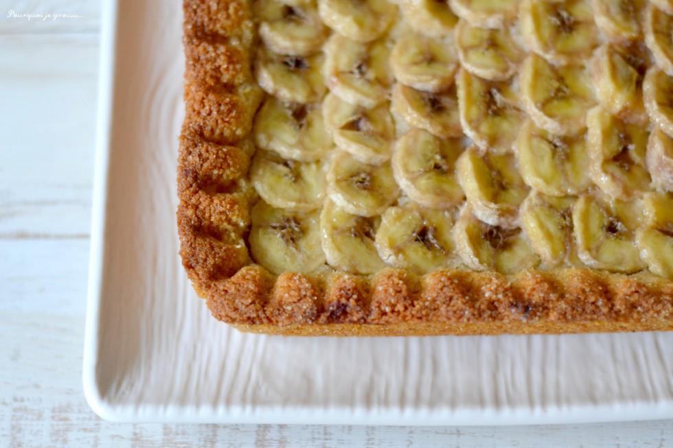 Tarte croustillante à la banane & au citron vert.