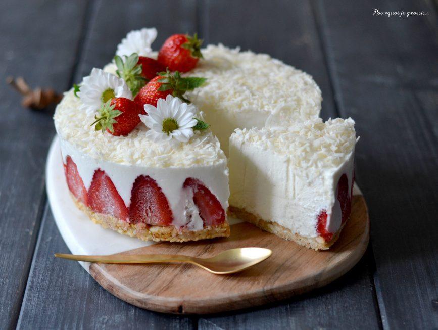 Presqu'cheesecake à la noix de coco & aux fraises