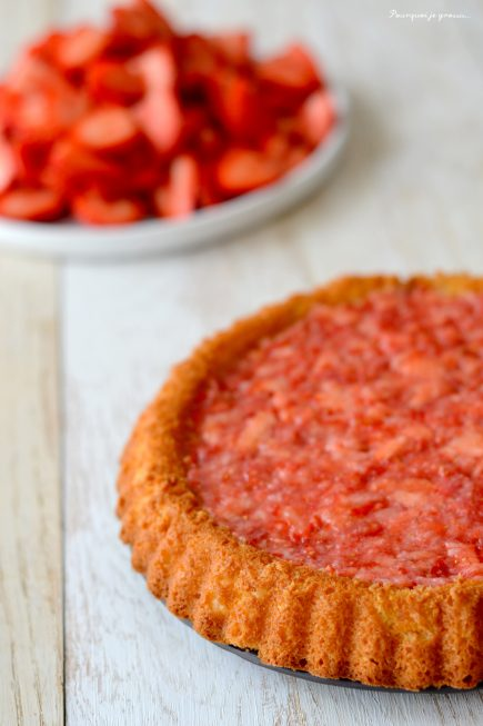 Tarte financière coco-citron vert, compotée de fraises & ... tout plein de fraises !
