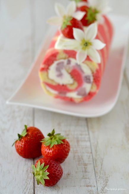 Bûche estivale glacée aux fraises !