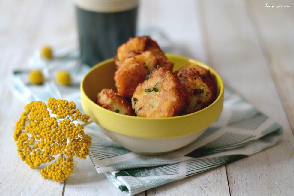 Beignets de pomme de terre au chorizo & aux oignons verts.