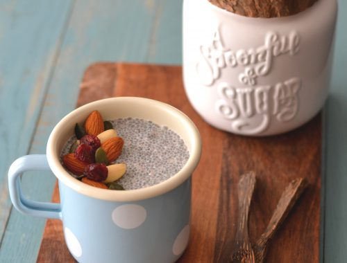 Chia pudding à l'halva & aux fruits secs.